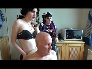 girl  orgasm  peeing