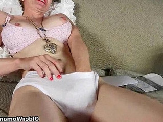mom  older  pantyhose