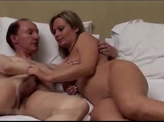 amazing  boobs  busty