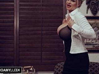 boobs  busty