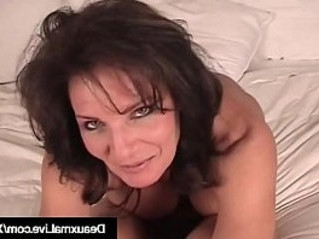 cougar   mommy   naked